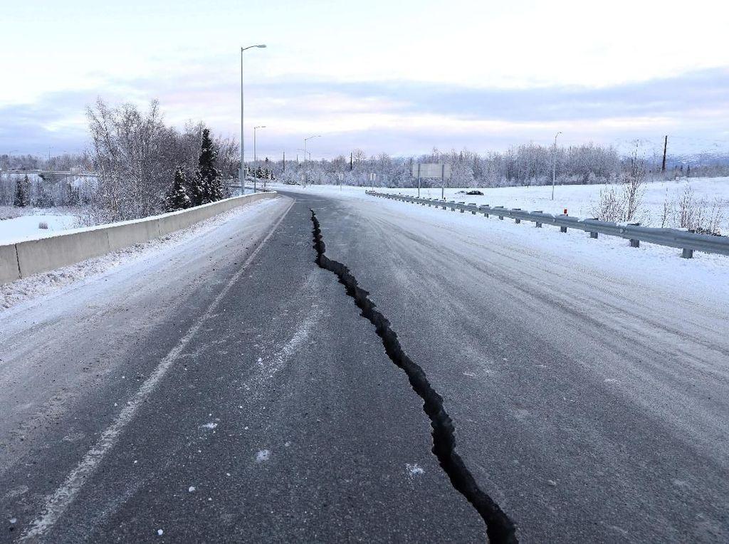 Peringatan Tsunami Usai Gempa Alaska, WNI Dipastikan Aman
