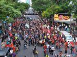 Video Demo Mahasiswa Papua Dihadang Polisi dan Ormas