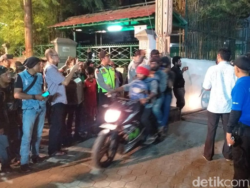 153 Mahasiswa Papua Berhasil Dievakuasi, Jalan Kalasan Kembali Dibuka