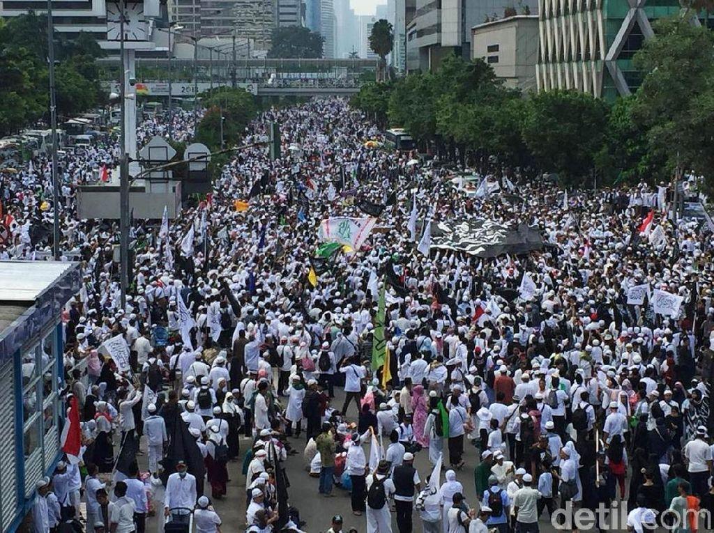 Sumpah Reuni 212 ke Habib Rizieq: Agar Syariat Allah Berdaulat di RI