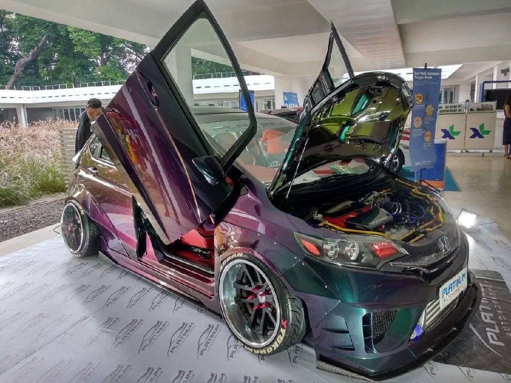 Gokil! Butuh Rp 400 Juta Modifikasi Honda Jazz Ini