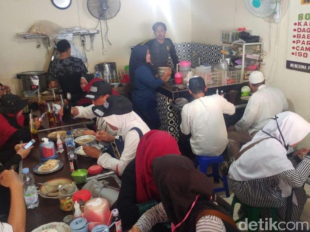 Demi Reuni 212 Pedagang Masakan Padang Rela Lembur
