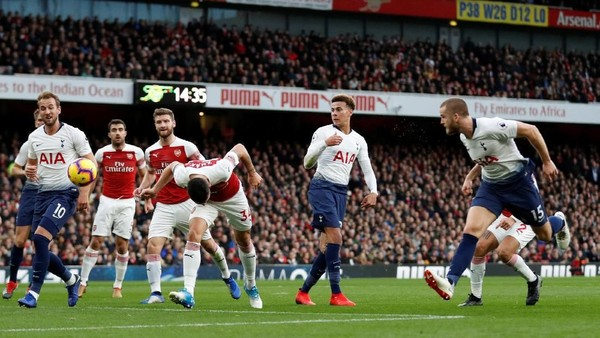 Panas dan Seru, Spurs Ungguli Arsenal 2-1 di Babak I