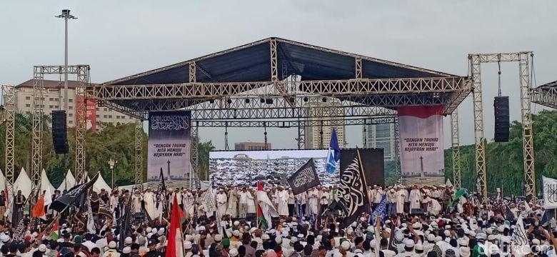 Habib Bahar bin Smith Pidato di Panggung Reuni Akbar Mujahid 212