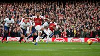 Hasil Liga Inggris: Sempat Tertinggal, Arsenal Bungkam Spurs 4-2