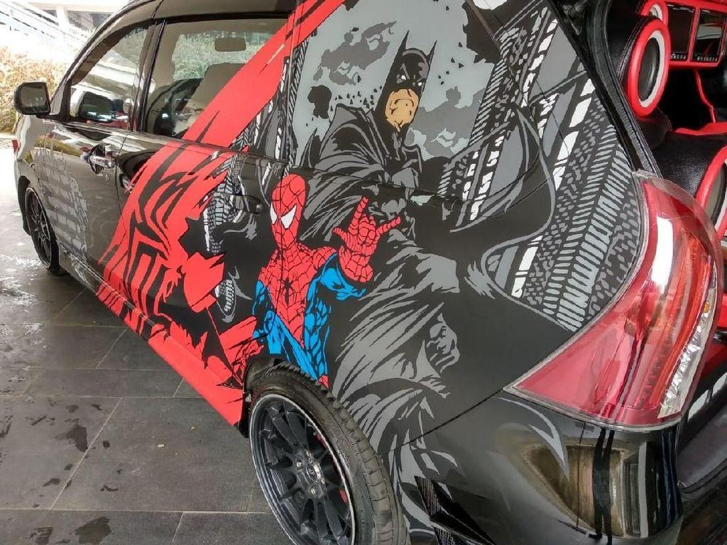 Ada Xenia Berbodi Spiderman Nih, Keren Nggak?