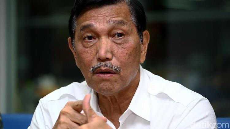 Ancaman Luhut ke Pembuat Hoax Cium Kaki Prabowo