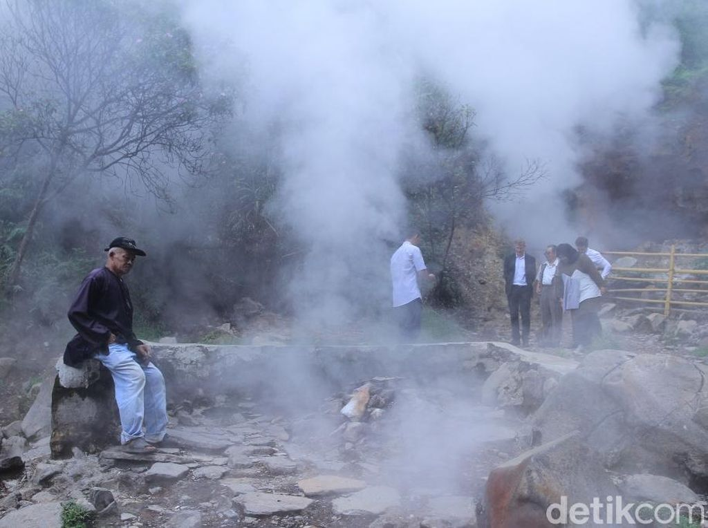 Foto: Kawah di Bandung yang Konon Bisa Sembuhkan Penyakit