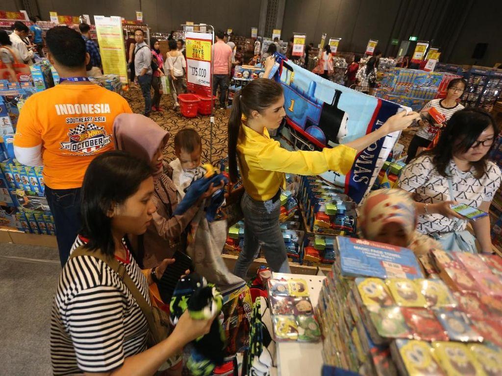 Berburu Mainan di The Crazy Toys Sale