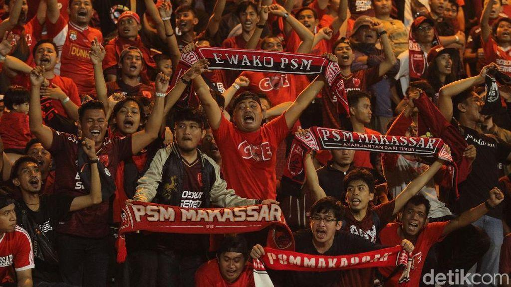 Nyanyian Revolusi PSSI dari Suporter PSM Makassar