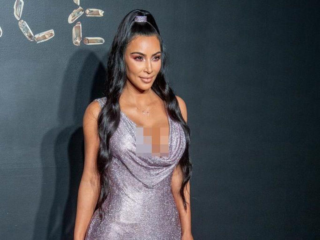 Punya Image Seksi, Kim Kardashian Akui Pemalu Ketika Bercinta