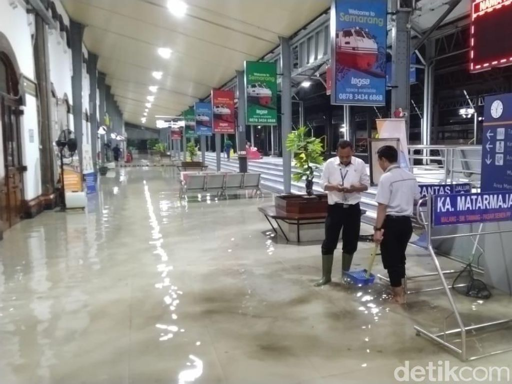 Stasiun Tawang Semarang Tergenang Air