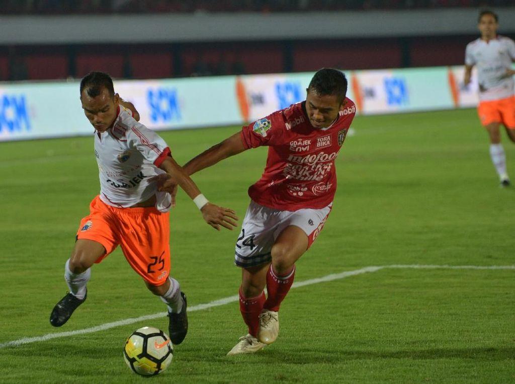 Persija, Persib dan Arema Kuntit Bali United Mejeng di Pasar Modal