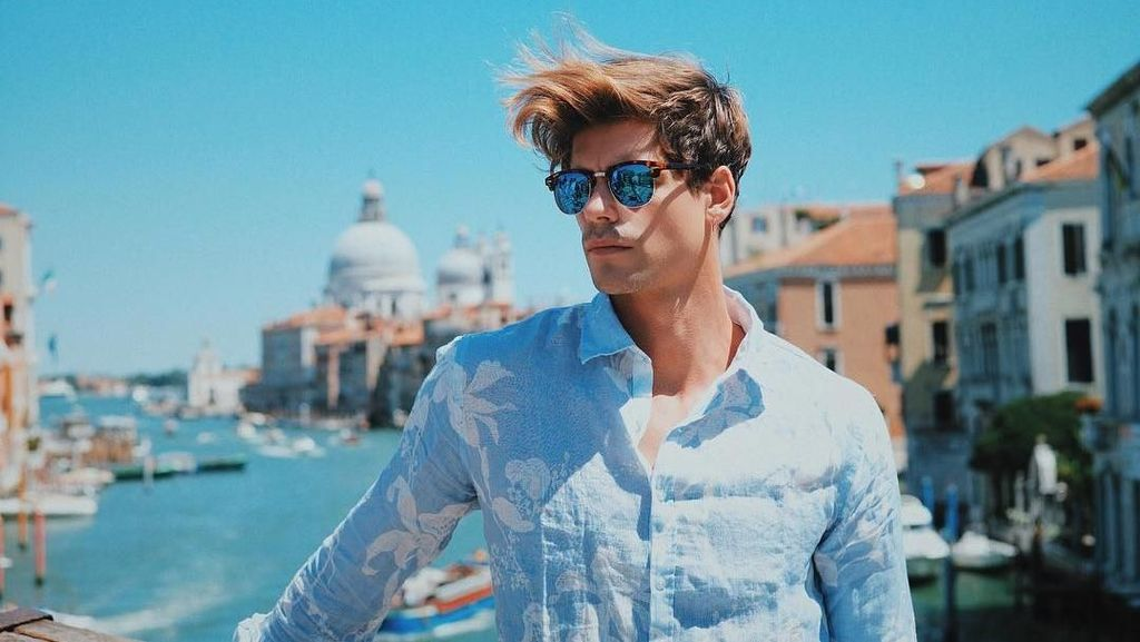 Foto: Travelingnya Model Tampan Perancis, Giovanni Bonamy