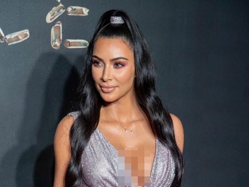 Gelar Baby Shower, Kim Kardashian Ajak Tamu Meditasi dengan Ganja