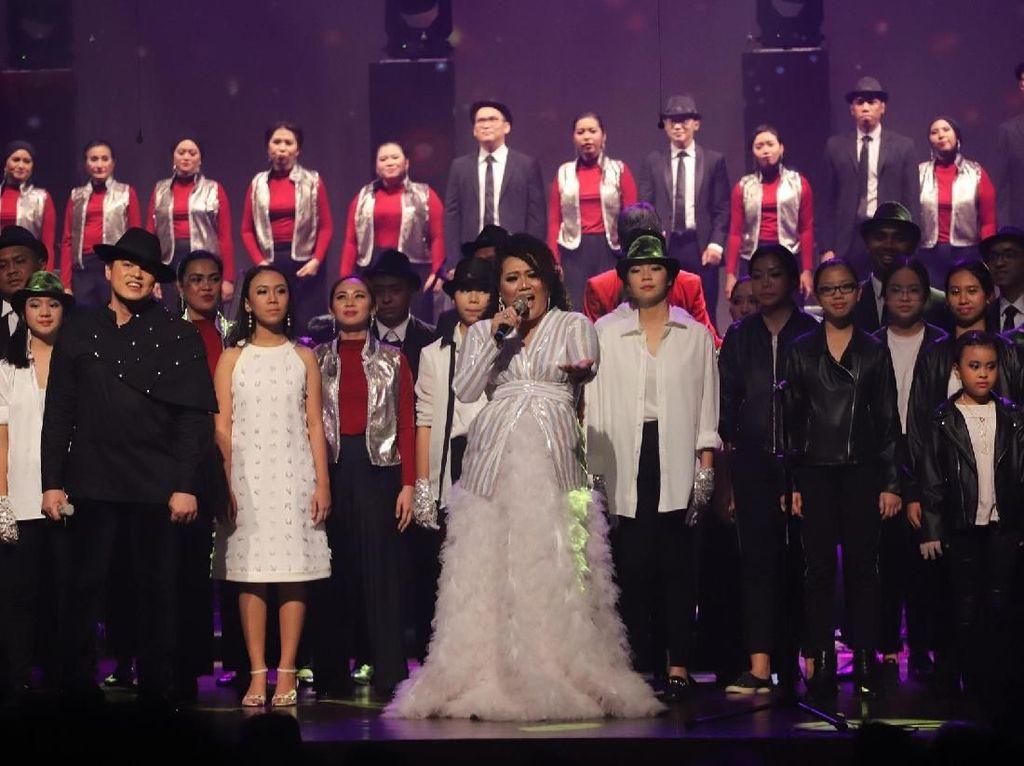 Konser Beat it dari The Resonanz Music Studio untuk Michael Jackson