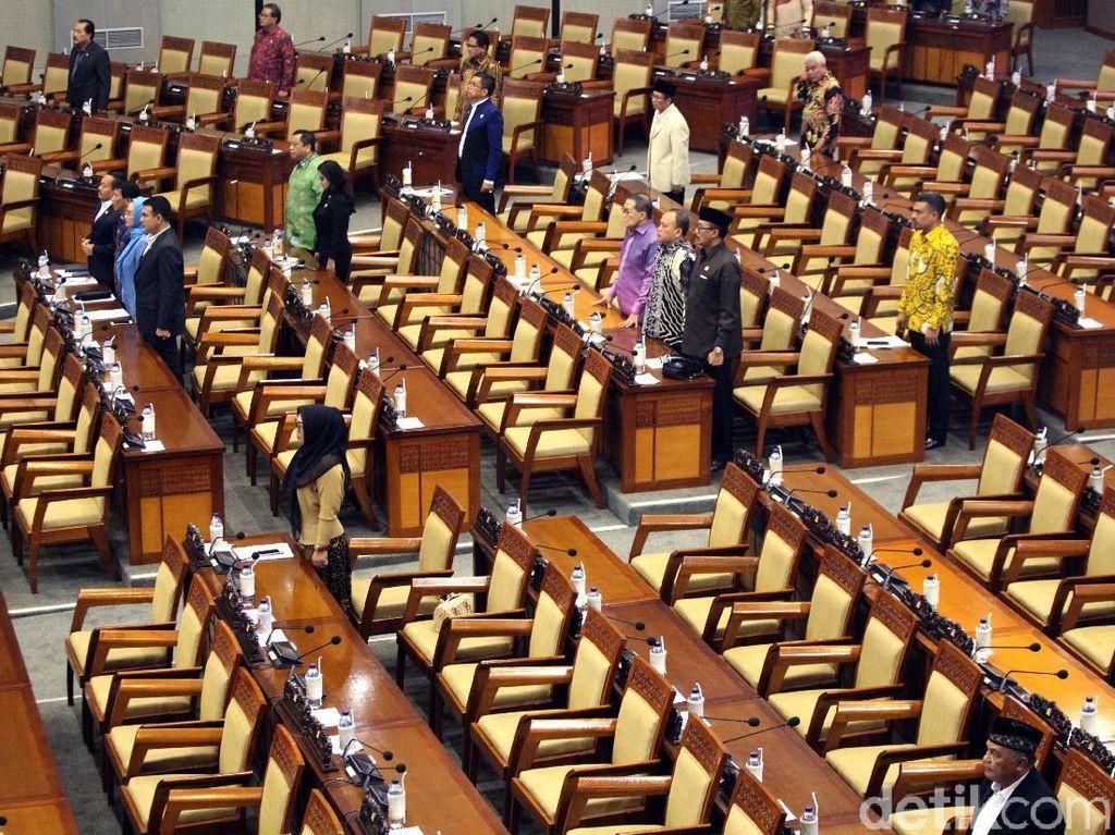 Penampakan Kursi Kosong di Paripurna saat 409 Anggota DPR Tak Hadir