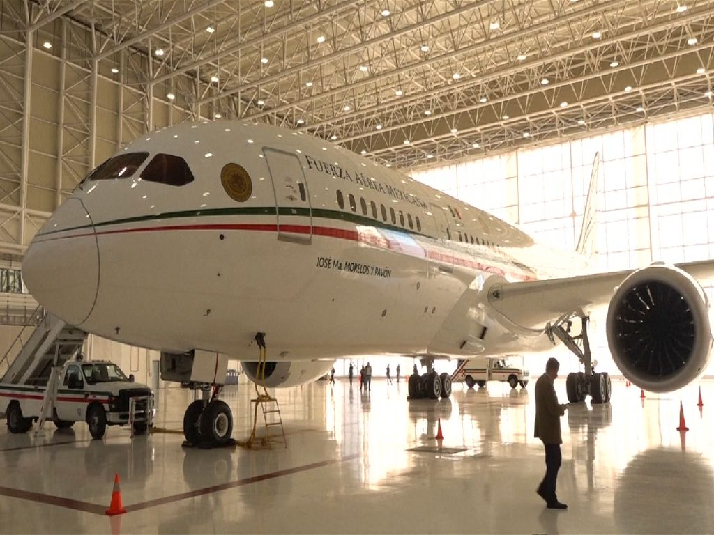Pesawat Kepresidenan Meksiko Dilelang