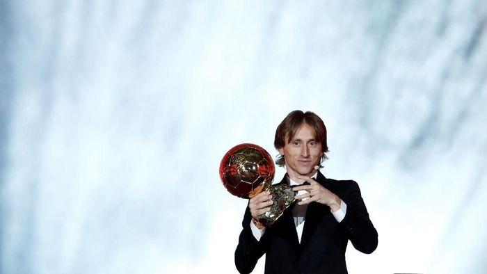 Luka Modric jadi salah satu pesepakbola yang bersinar pada 2018 (Foto: Benoit Tessier/Reuters)