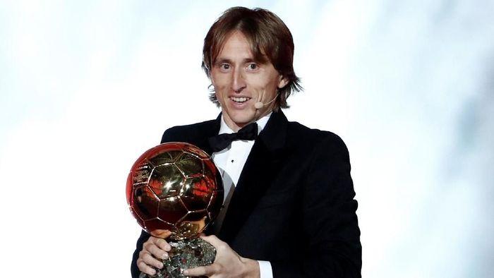 Luka Modric meraih Ballon dOr 2018 di tengah inkonsistensi Real Madrid (Foto: Benoit Tessier/Reuters)