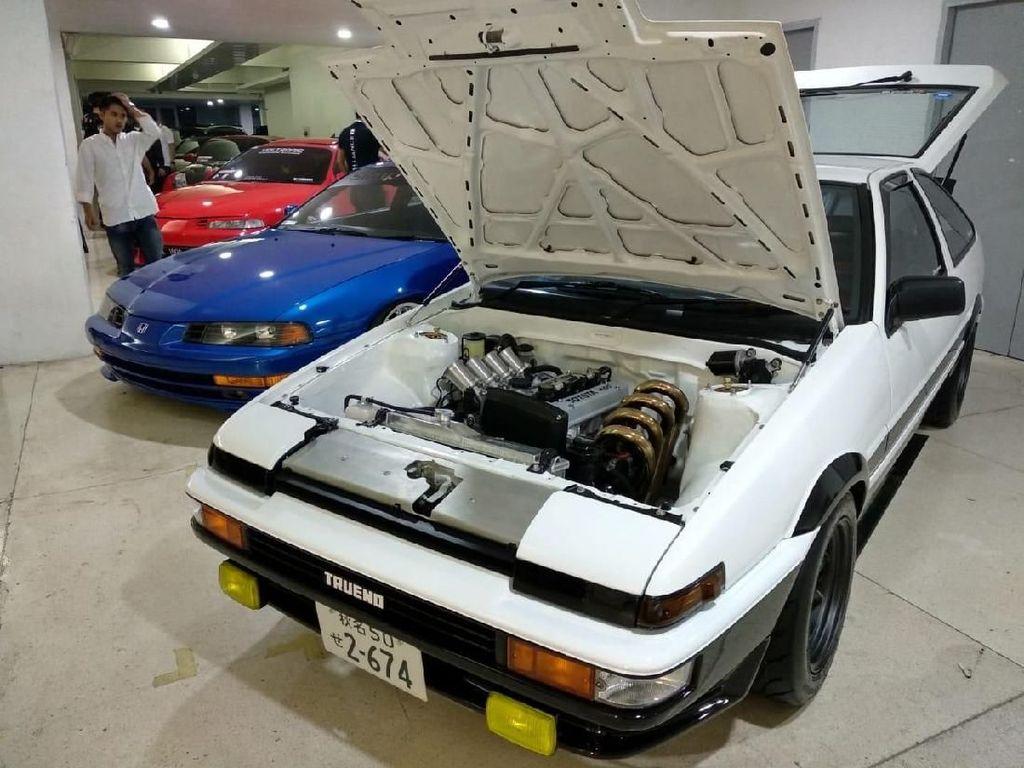 Toyota AE86 Trueno Ini Dimodifikasi Mirip dalam Film Initial D