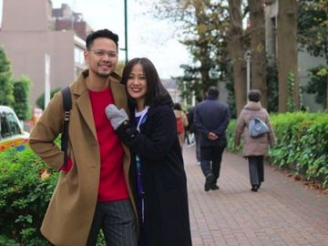 Bikin Iri, 8 Potret Keharmonisan Astrid dan Suami