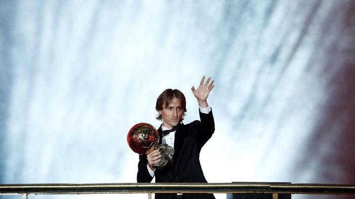 Luka Modric memenangi Ballon dOr 2018 dan memutus duopoli Cristiano Ronaldo-Lionel Messi (Foto: Benoit Tessier/Reuters)