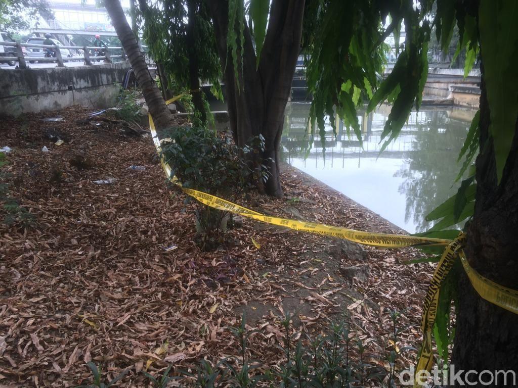 Mayat Laki-laki Ditemukan di Kali Grogol Jakbar