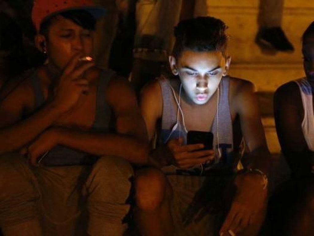 Kuba Luncurkan Akses Internet Ponsel Untuk Warganya