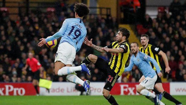 Para pemain Watford yang paling banyak membuat pelanggaran, kartu kuning, dan kartu merah. (
