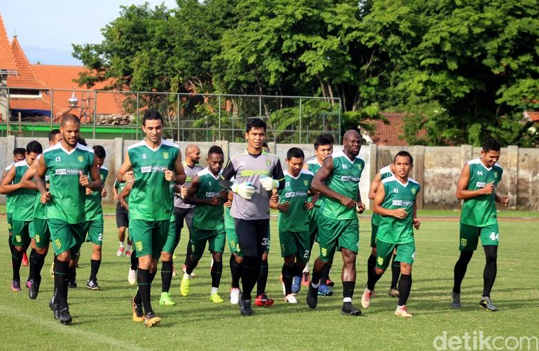 Persebaya Jalani Sesi Latihan Jelang Lawan PSIS Semarang