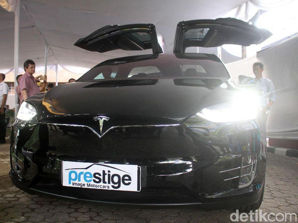 Tesla Model X Mirip Punya Bamsoet Mejeng di BPPT