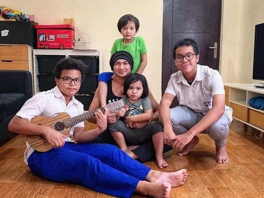 Menyanyi Jadi Cara Jitu Anji Gali Bakat Anak