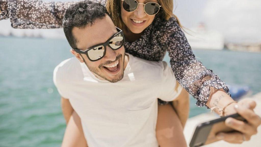 Mau Kacamata Lebih Tahan Lama? Ini Trik Merawatnya