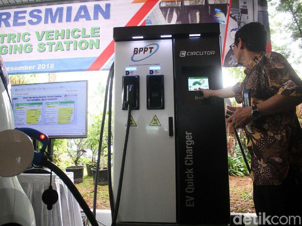 Tempat Ngecas Kendaraan Listrik Hadir di BPPT