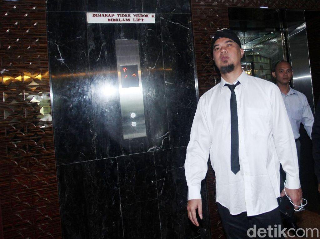 Bacakan Pleidoi, Ahmad Dhani Sebut Ada yang Politisasi Kasusnya