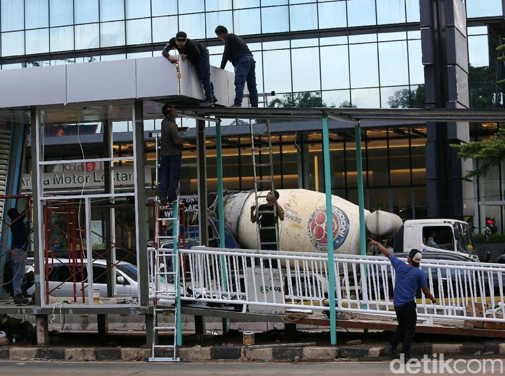 Halte TransJ Tosari Dibongkar, Anies Siapkan Pelican Crossing