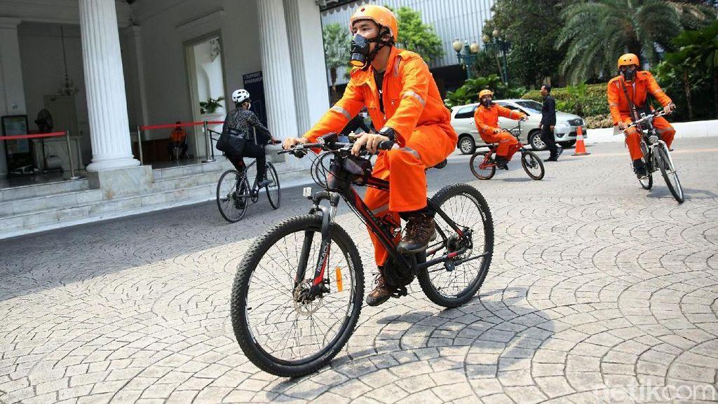 Aksi Bersepeda Minta Pemerintah Aktif Turunkan Polusi Udara