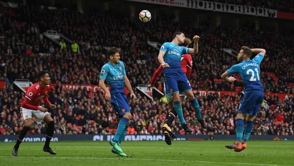 Jelang MU vs Arsenal: Saatnya Menang di Old Trafford, Meriam London?