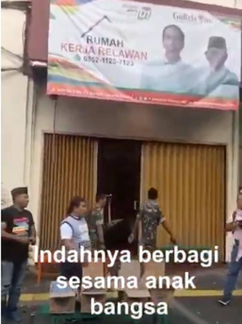 Video Relawan Jokowi Bagi Minuman di Reuni 212 Beredar di Medsos
