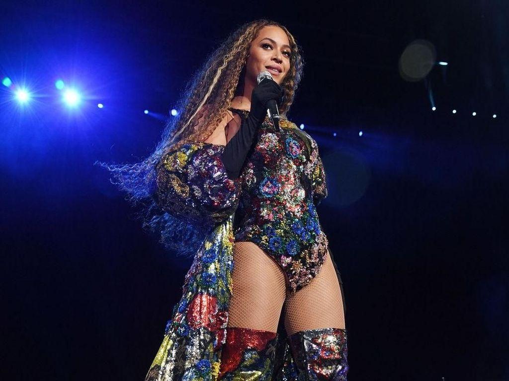 Beyonce Powerful di Kobe Bryant Memorial