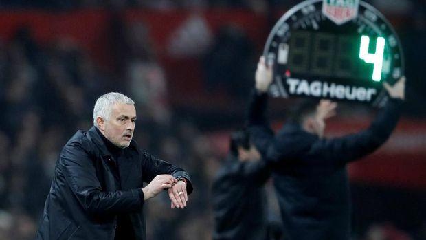 Mourinho isyaratkan rotasi pemain melawan Valencia.