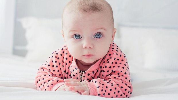 Ilustrasi baju bayi