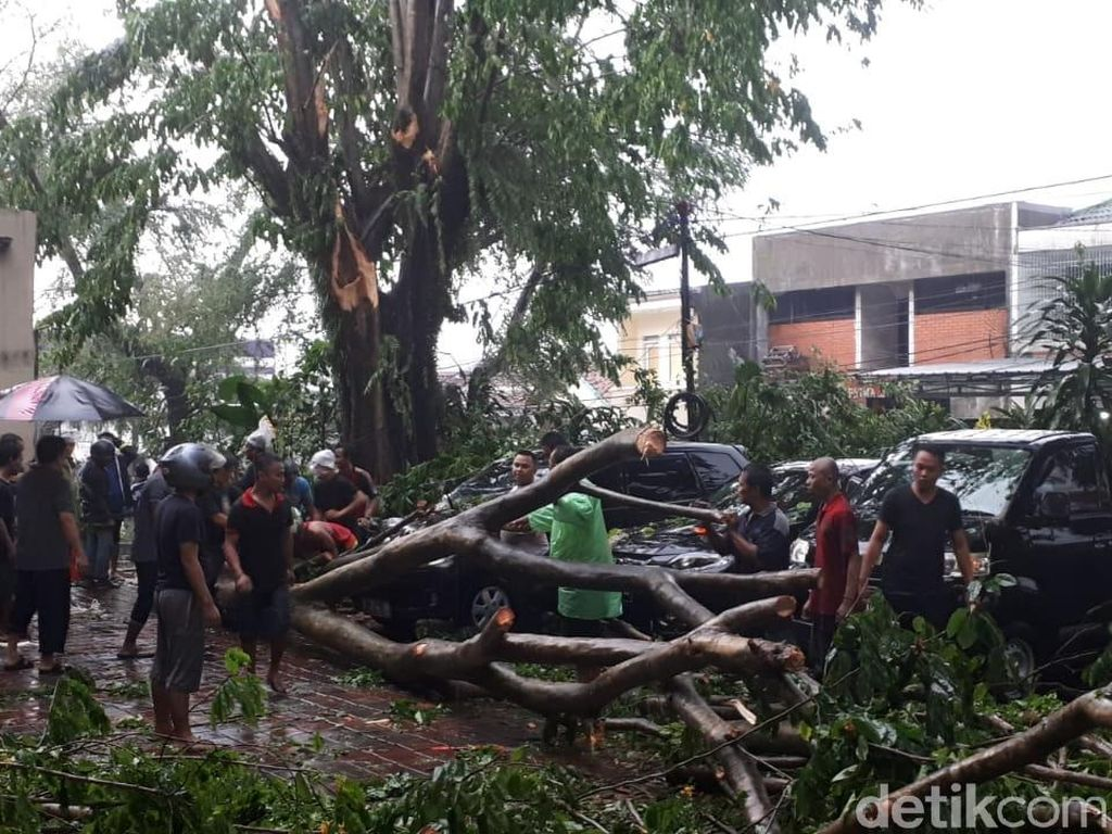 Pasca Puting Beliung Bogor, Warga Diminta Tetap Waspada