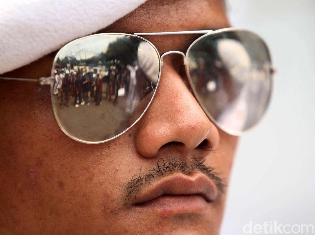 Dukung Habib Bahar, FPI Demo di Depan Bareskrim