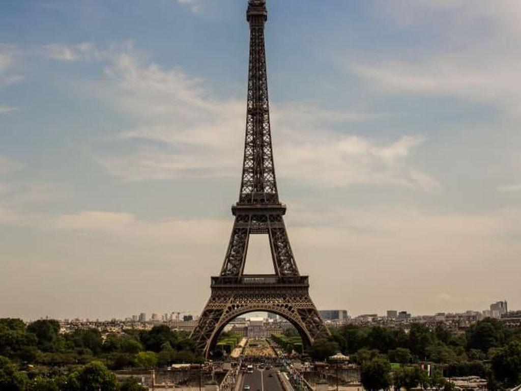 Mudik Lewat Cilacap? Boleh Mampir ke Menara Eiffel Ini