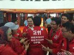 Caleg PSI Pakai Baju Cleaning Service: Pengin Bersih-bersih DPR