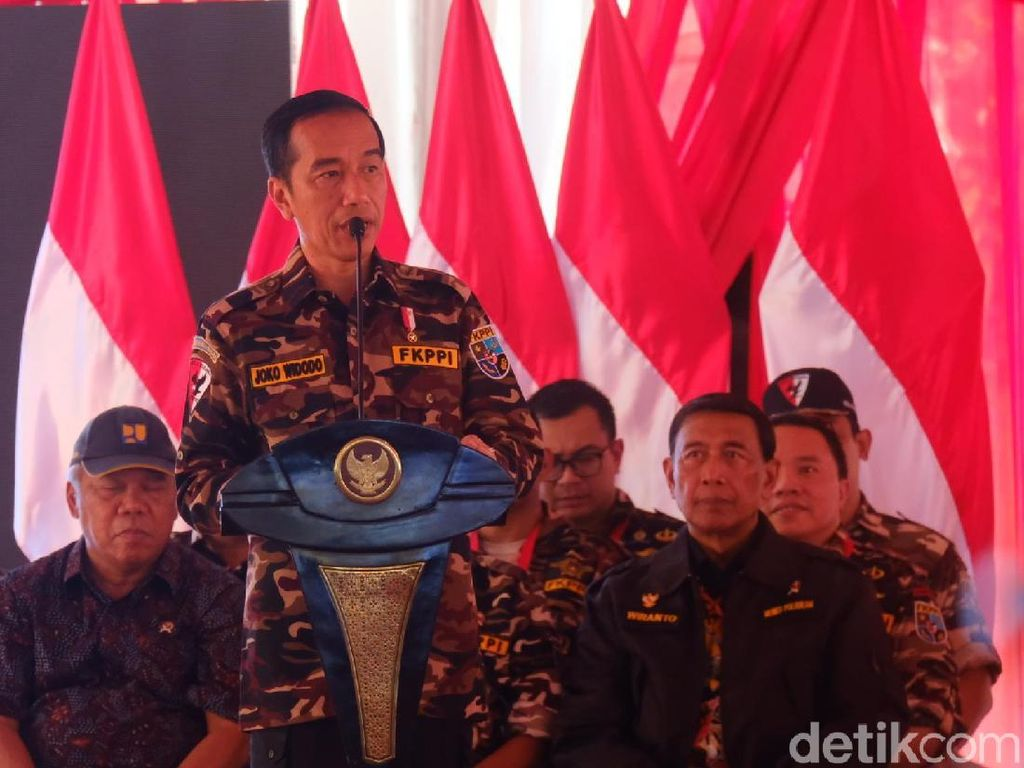 Berkemeja Loreng, Jokowi Buka Jambore Bela Negara FKPPI