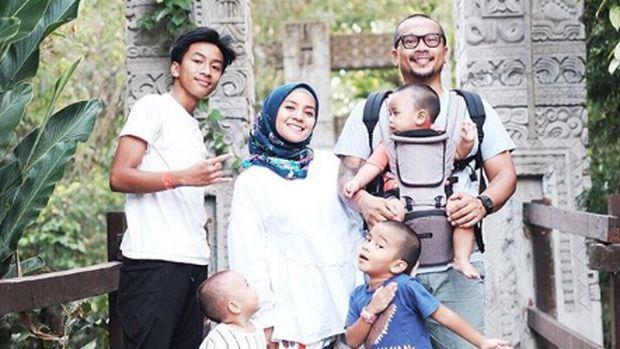 Cara Enno Lerian Jaga Hubungan dengan Keluarga Mantan Suami