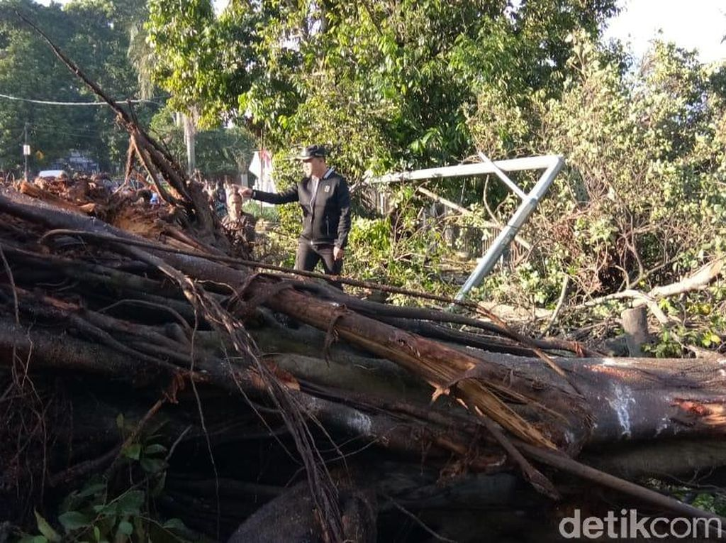 Bima Arya Minta Bantuan Rp 5 M ke Ridwan Kamil Tangani Puting Beliung